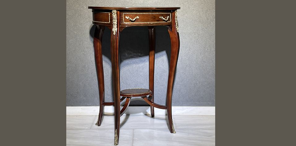 OVAL SIDE TABLE (1067)