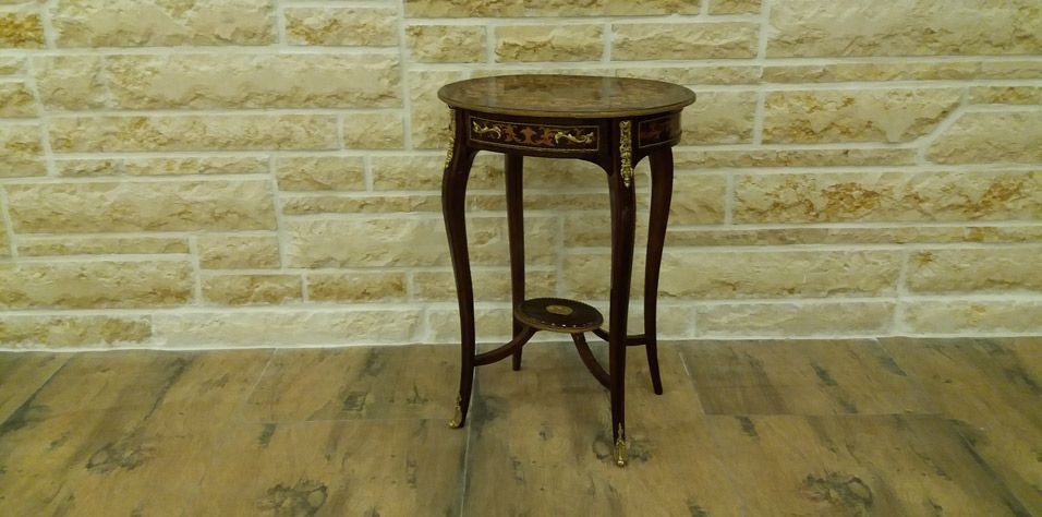 OVAL SIDE TABLE (1069)***STOCK***