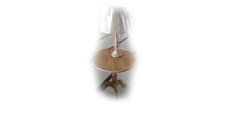 SIDE TABLE (D180)