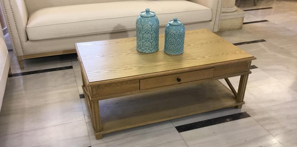 COFFEE TABLE (523G)