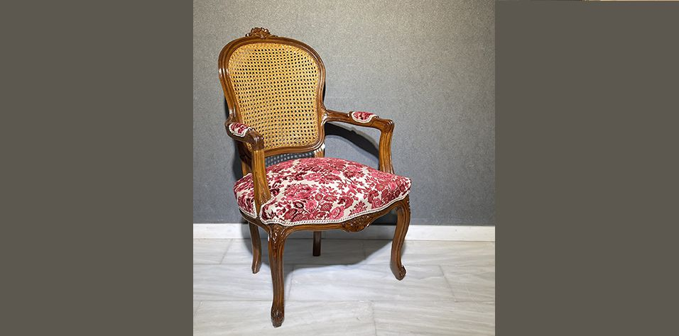 ARMCHAIR IN FRENCH STYLE (B011B)