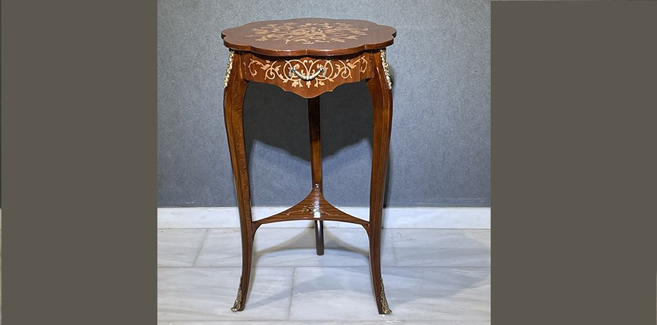 SIDE TABLE (1047)